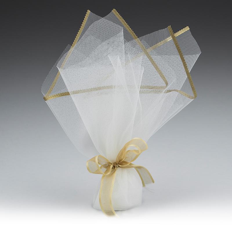 2a4becc75098 Μπομπονιέρα γάμου από τούλι ιβουάρ με σατέν ρέλι λαδί και κορδέλα χρυσό  μπρονζέ