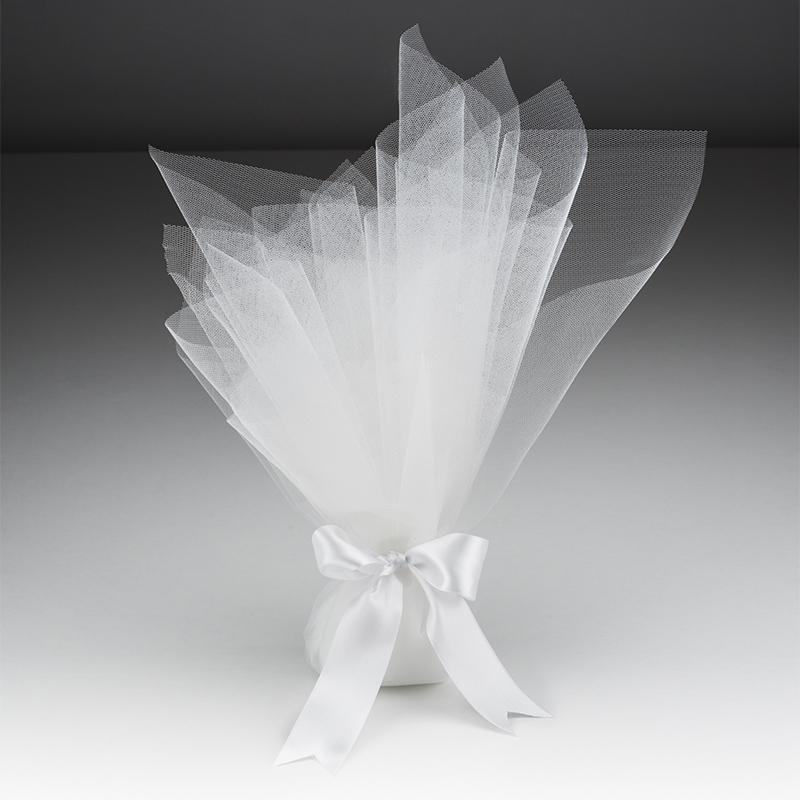 7ea7ae2dfa3 Μπομπονιέρα γάμου με τριπλό τούλι γαλλικό λευκό και δέσιμο με σατέν κορδέλα  λευκή
