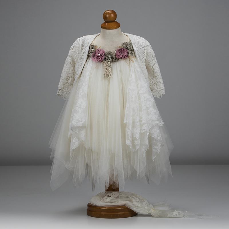 19fd70da0379 Βαπτιστικό ρούχο για κορίτσι που αποτελείται από φόρεμα